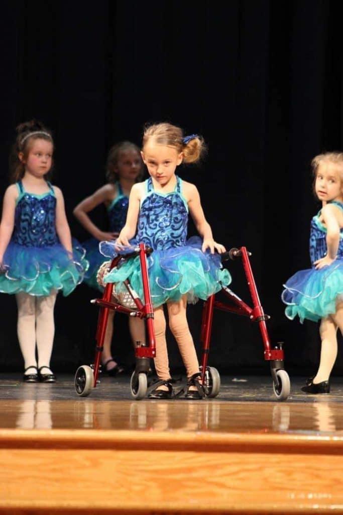childrens-organization-of-lending-equipment-cole-borrow-equipment-1-girl-stander-walker